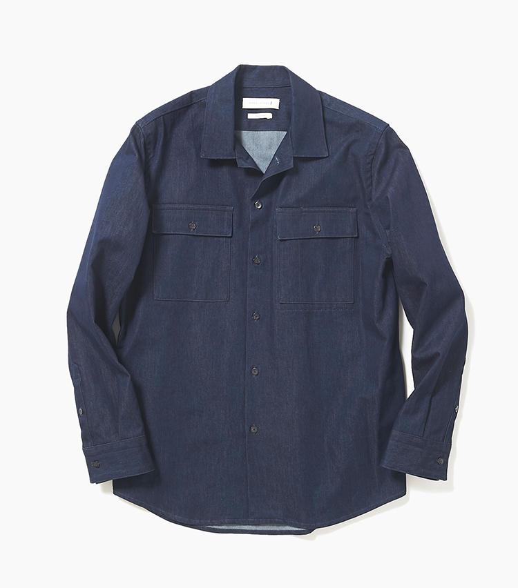 <b>16.マッキントッシュのインディゴシャツ</b><br />ウォッシュをかけたデニムシャツは、ブルゾン感覚で羽織ることも可能。ウエスタンシャツやワークシャツよりもワンランク上の品の良さも、大人のオフにちょうどいい。2万9000円(エリオポールメンズ銀座)