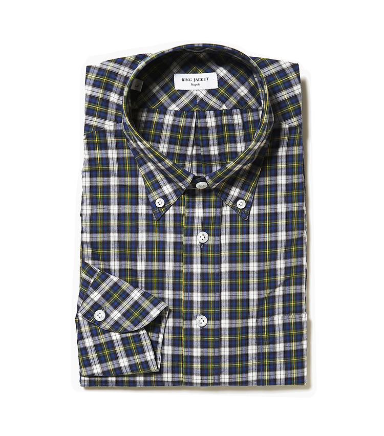 <b>9.リングヂャケット ナポリのチェックシャツ</b><br />ON・OFF着用可能尾なシルエットにアレンジした、ナポリ仕立てのチェックシャツ。小柄チェックでコーディネートに取り入れやすい。2万9000円(リングヂャケットマイスター206 青山店)
