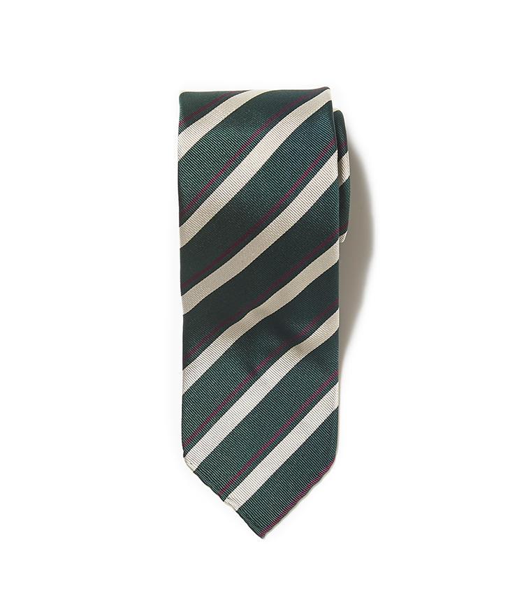 <b>11.タイ ユア タイのストライプネクタイ</b><br />イタリア発のネクタイは、グリーンの太縞にパープルの細縞が好アクセント。こんなグリーン系のネクタイは、ブラウンのスーツやジャケットと相性がいい。2万2000円(リングヂャケットマイスター206 青山店)