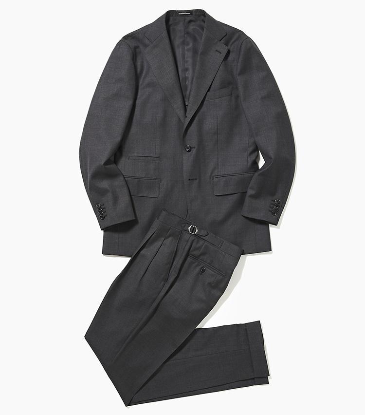 <b>2.タカシマヤ スタイルオーダー サロンのグレースーツ</b><br />チェンジポケット付きのジャケットと、腰回りに2プリーツを施したサイドベルト付きパンツのセット。一着はほしいこんなクラシックなスーツをジャストサイズで作れるのが、高島屋のスタイルオーダーの強み。基本料金8万9000円+パンツ脇尾錠2000円<オーダー価格>(新宿高島屋)