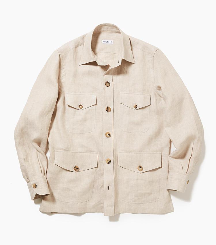<b>5.エリコ フォルミコラのシャツジャケット</b><br />4ポケットが良きアクセントとなり、Tシャツに羽織るだけで決まるリネン素材のシャツジャケット。シャツ以上、ジャケット未満の適度なリラックス感は、ブリージャースタイルに◎。3万8000円(新宿高島屋)