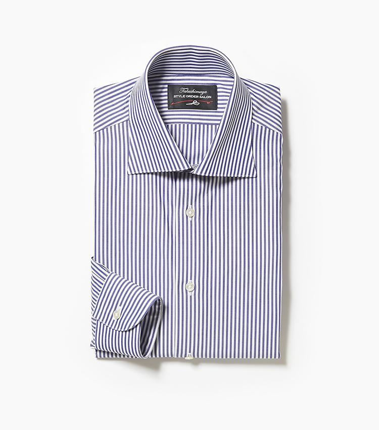 <b>6.タカシマヤ スタイルオーダー サロンのストライプシャツ</b><br />爽やかな紺×白のストライプ柄は、脇汗が目立ちにくいメリットもある。ワイドカラーなのでノータイはもちろん、ネクタイを結んでも様になる。9000円〜(新宿高島屋)