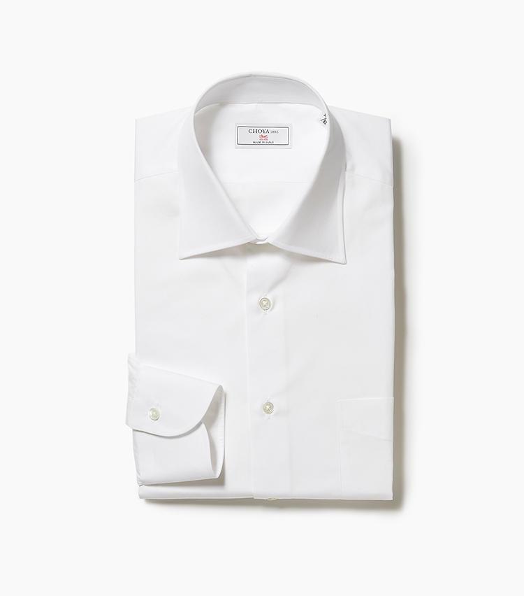 <b>7.CHOYA1886の白シャツ</b><br />軽装になるクールビズシーズンは、一枚でも勝負できるちょっといいシャツも揃えておきたい。日本の老舗シャツファクトリーが手掛けるこちらは、日本の綿を使い、日本製にこだわった「Jクオリティー」認証の逸品。1万3000円(新宿高島屋)