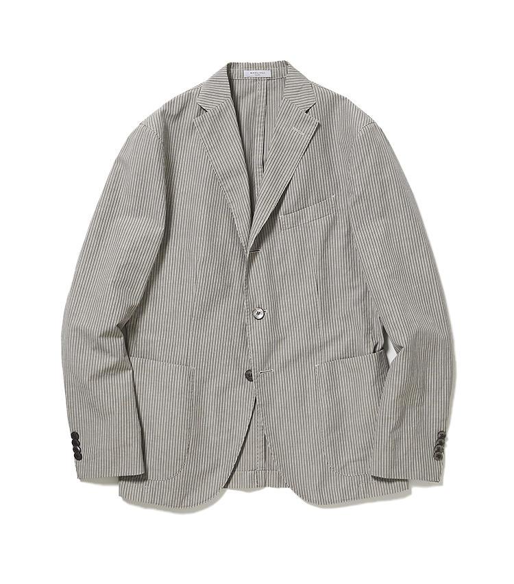 <b>3.ボリオリのストライプジャケット</b><br />製品にしてから染めることで、味わい深く仕上げた「Kジャケット」。こちらはコットン×リネン×モヘアという夏向きの混紡素材と、涼し気な極細ストライプが涼感たっぷり。11万円(阪急メンズ東京)