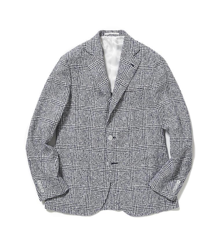 <b>4.バルバの青チェックジャケット</b><br />シャツジャケットのような軽やかなウールジャケットは、涼しげなネイビーに加えて、かすれたような柄行きが爽やかな好印象に導いてくれる。11万9000円(阪急メンズ東京)