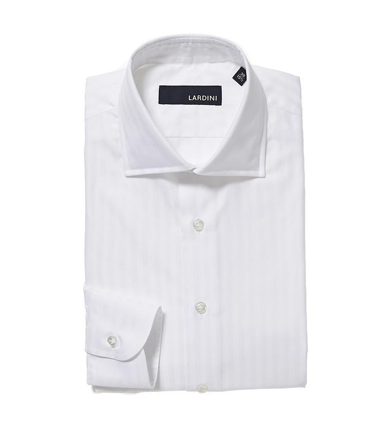 <b>5.ラルディーニの白シャツ</b><br />白シャツのようにシンプルなアイテムほど、生地や仕立ての良さが印象を左右する。こちらはストライプが織り柄で施され、周囲と違いを発揮できる。2万7000円(阪急メンズ東京)