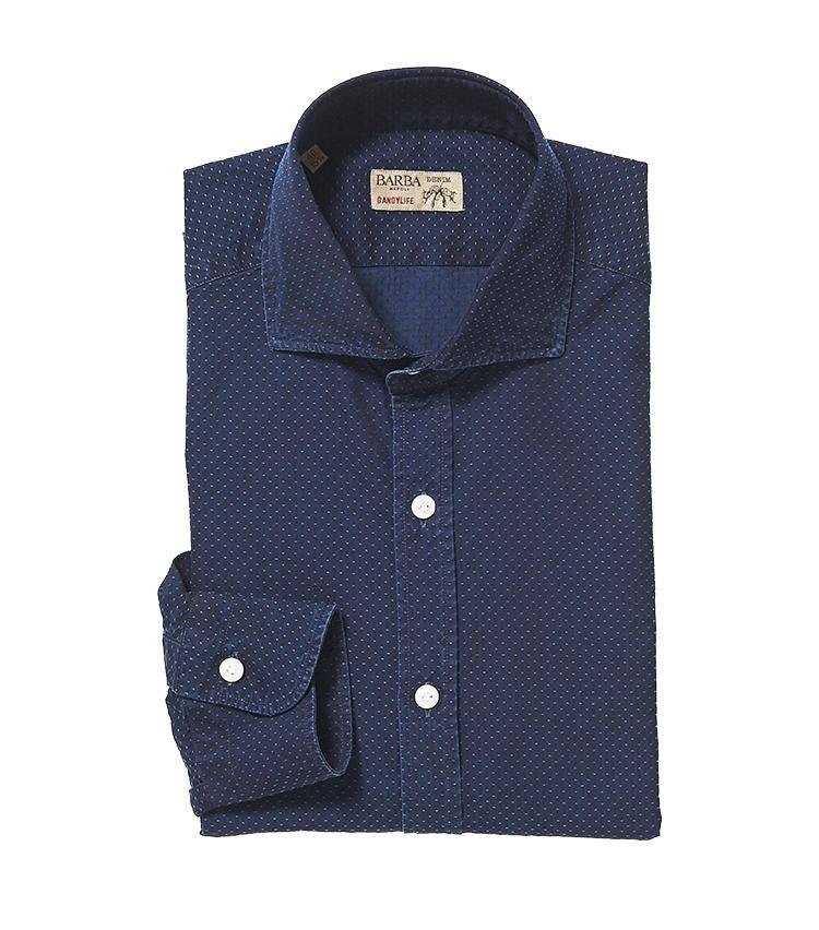 <b>7.バルバの水玉柄シャツ</b><br />カジュアルライン「ダンディライフ」のシャツは、一見紺無地だが実は細かなピンドット柄。大柄と組みわせて、上級テクニックの柄×柄コーディネートにも挑戦しやすい。3万6000円(阪急メンズ東京)