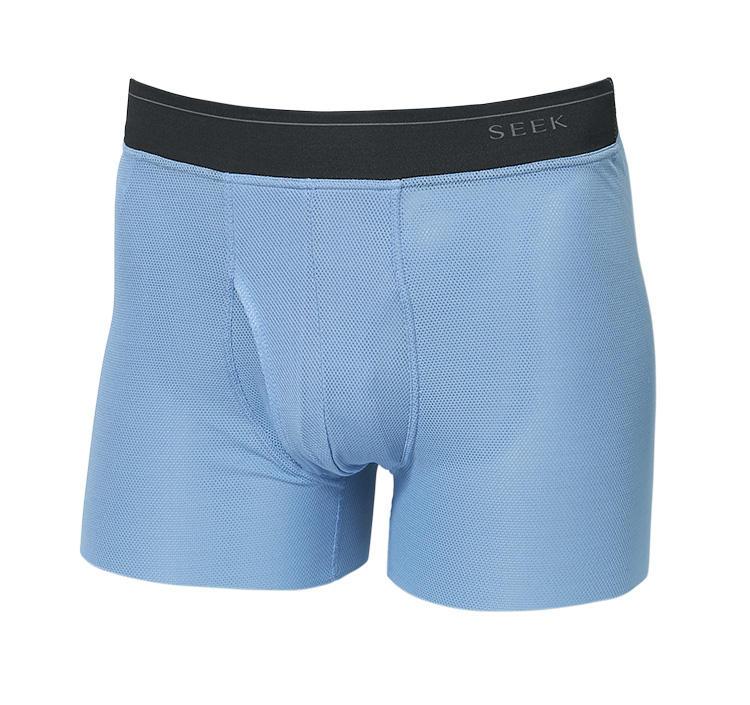 <strong>豊富な色柄も魅力</strong><br />無地もラインナップ。爽やかで清潔感のあるグレイッシュブルーが夏に好適。M・Lサイズ2500円、LLサイズ2800円、3Lサイズ3000円