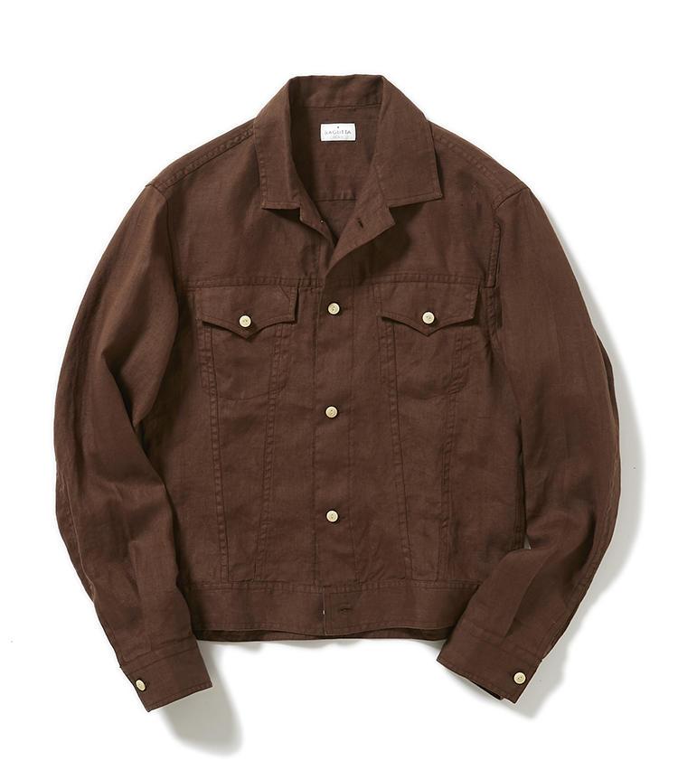 <b>15.バグッタのブラウンジャケット</b><br />Gジャン風のデザインが着回しやすいリネンのシャツジャケットは、夏の冷房よけに最適。少しゆとりをもたせた最旬シルエットなので、羽織るだけでこなれた雰囲気に仕上がる。2万5000円(グジ東京)