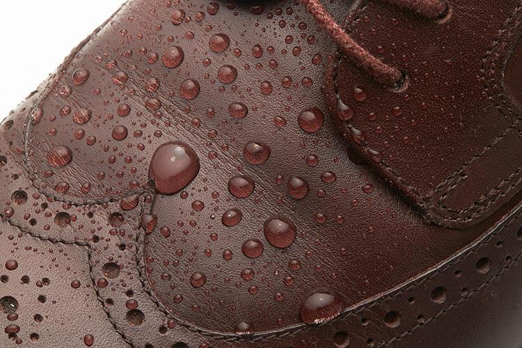 ロックポートのドレス靴、撥水の様子はこんな感じ!
