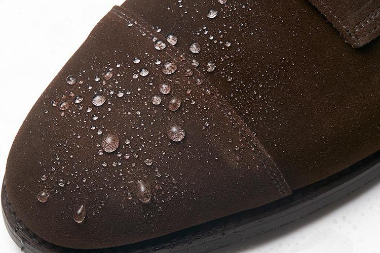 クロケット&ジョーンズのドレス靴、撥水の様子はこんな感じ!
