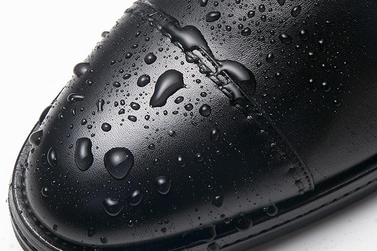 サントーニのドレス靴、撥水の様子はこんな感じ!