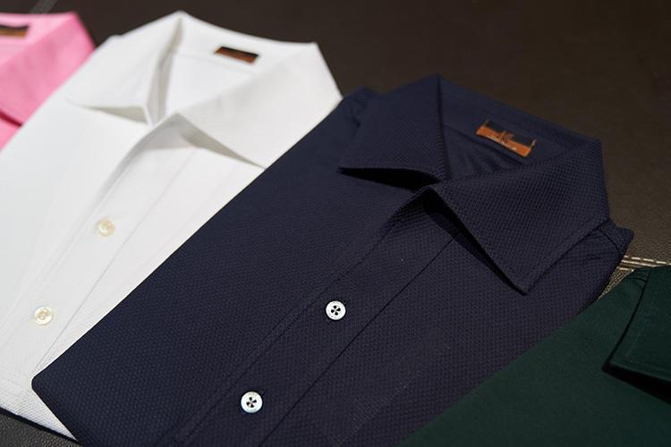 「お店にいるときはスーツを着ていることが多いですが、オフィスでデスクワークするときや、工場にいくときはこのポロシャツを愛用しています」