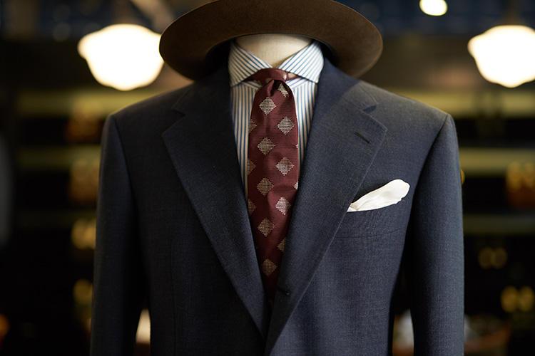 ネクタイのセレクトもシブい!