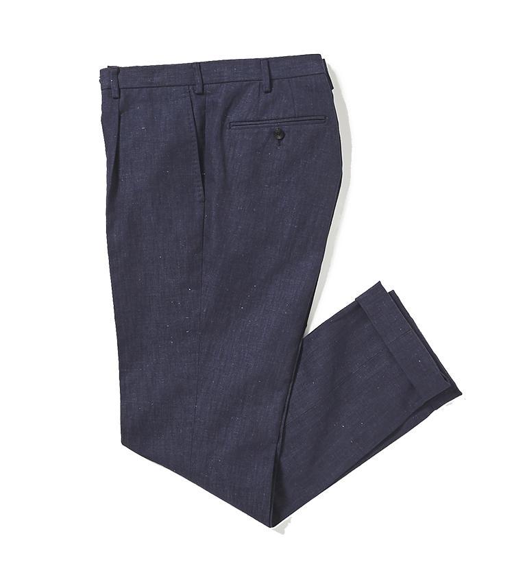 <b>5.トゥモローランドのデニム調パンツ</b><br />4とセットで着られる共生地パンツ。リネンにコットンをブレンドしているため、生地にネップと呼ばれる凹凸があって涼しげな印象に貢献。きれいめなデニムパンツとしても、ドレスコードのゆるい職場や、休日カジュアルに活躍。2万1000円(トゥモローランド)