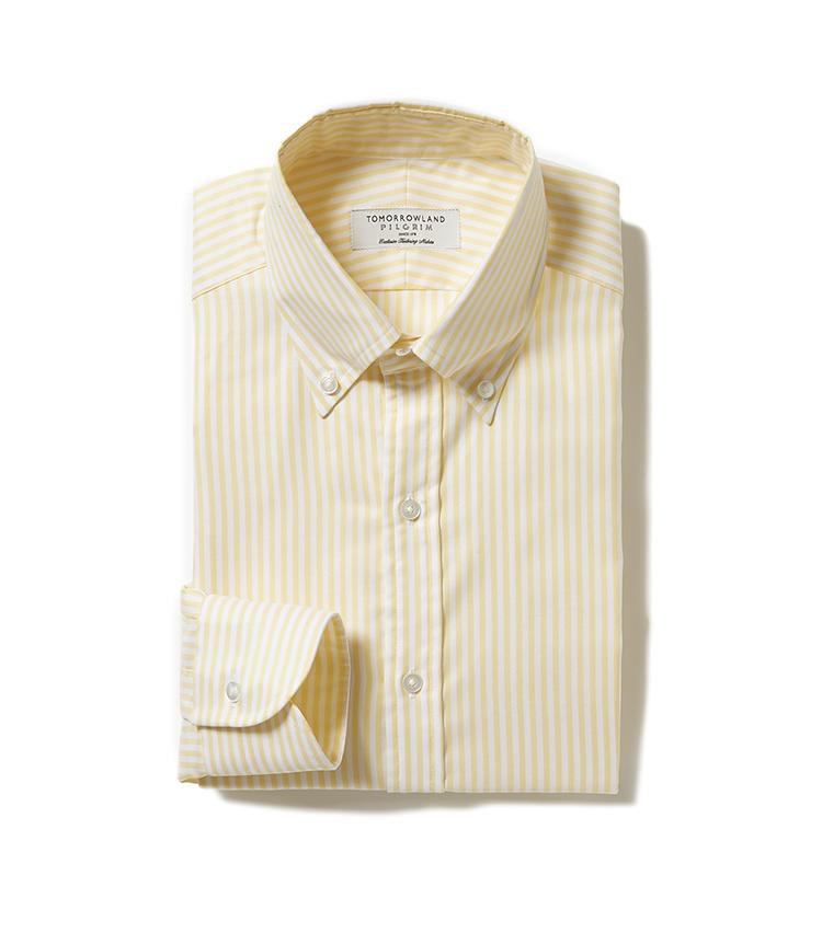 <b>9.トゥモローランド ピルグリムのストライプシャツ</b><br />上品なオックスフォード生地のボタンダウンシャツは、ビジネススタイルのよき相棒。初夏ならこんなイエローストラプが一着あってもいい。1万4000円(トゥモローランド)