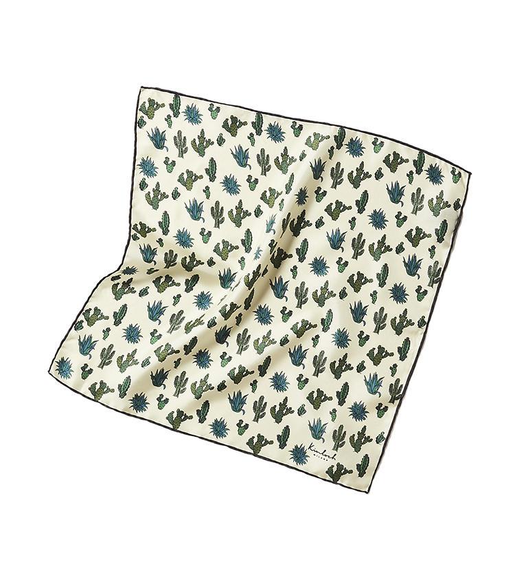 <b>14.キンロックのチーフ</b><br />斬新な柄のチーフやネクタイが人気のイタリアブランド。こちらのシルクチーフは、手描き風の楽しいサボテン柄が会話のきっかけになりそう。42×42cm。1万円(トゥモローランド)