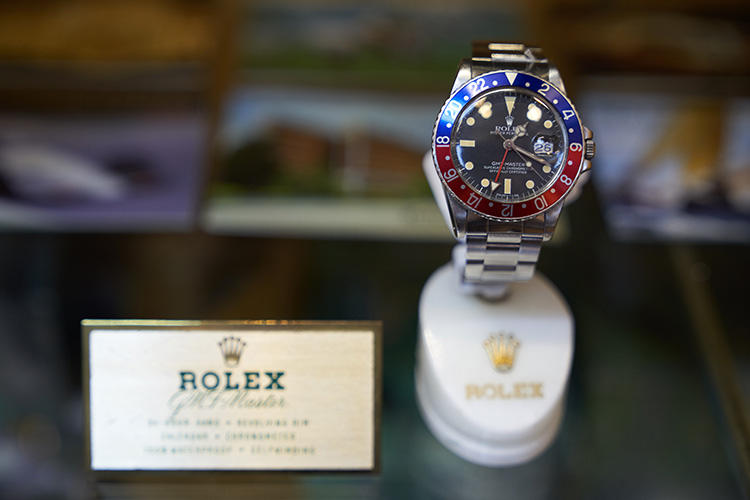 日本と同じくらいロレックスの人気が高い香港。GMTマスターやデイデイトなど様々なバリエーションを発見できた。