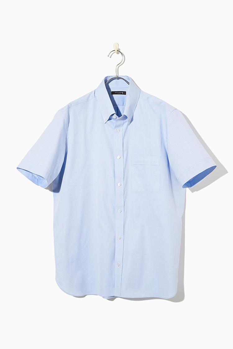 <strong><big>ネイビー&グレースーツに合わせるならサックスブルーを<br /></big></strong><br />淡いサックスブルーの色味は、ビジネススタイルの定番色だけに、1枚で着るのはもちろん手持ちのスーツとも合わせやすい。クールマックスを混紡しているので、汗をすばやく吸収して発散してくれるので不快な汗濡れも解消。1万3000円/マッキントッシュ ロンドン(SANYO SHOKAI カスタマーサポート)