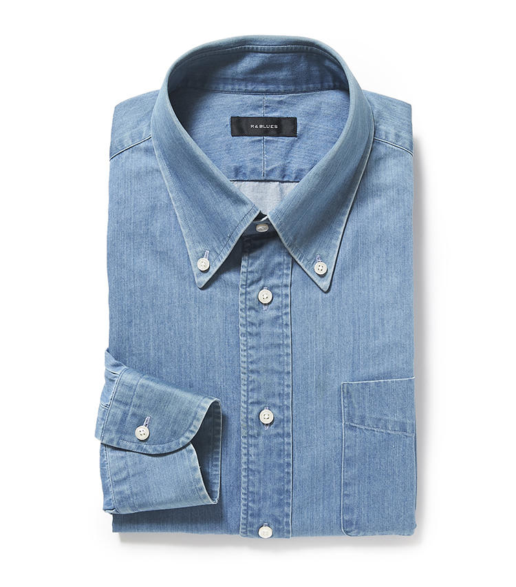<b>8.R&BLUESのデニムシャツ</b><br />麻布テーラーの「R&BLUES」ラインでは、デニムシャツなどのカジュアル服をオーダー可能。加工によってリアルなアタリや縫い目の縮みまで表現できる。1万8000円<オーダー価格>(麻布テーラースクエア二子玉川店)