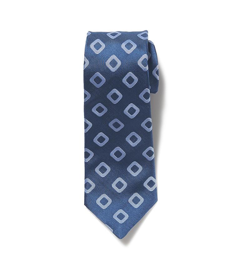 <b>10.シーワード&スターンのブルー小紋ネクタイ</b><br />こちらは9のネクタイと同じ青系小紋だが、明るいトーンがまた違った印象。青系なら青系と、自分に似合うネクタイを柄違いで揃えていくと、コーディネートの幅が広がる。2万3000円(麻布テーラースクエア二子玉川店)
