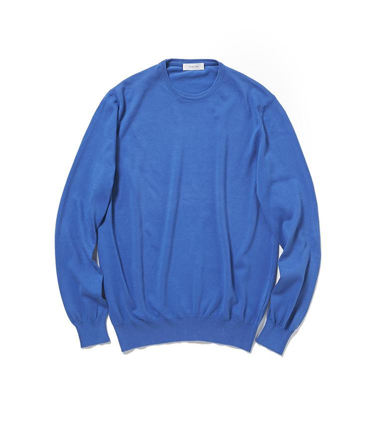 <b>15.R&BLUESのニット</b><br />冷房よけのために一着あると助かるコットンニット。発色の良さや上質感のあるハイゲージなど、大人のニットに欲しい要素が詰まっている。1万8000円(麻布テーラースクエア二子玉川店)