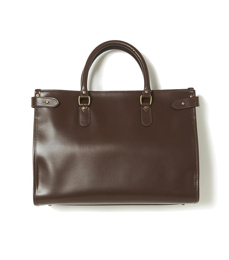 <b>16.タスティングの茶ブリーフケース</b><br />1875年創業の英国鞄ブランド。素材は最上級カーフのスカンジナビアハインドで、佇まいが周囲のブリーフとは段違い。マチは拡張可能。底鋲付きで自立もかなう。縦29×横40×マチ12cm。4万8000円(ヴァルカナイズ・ロンドン)