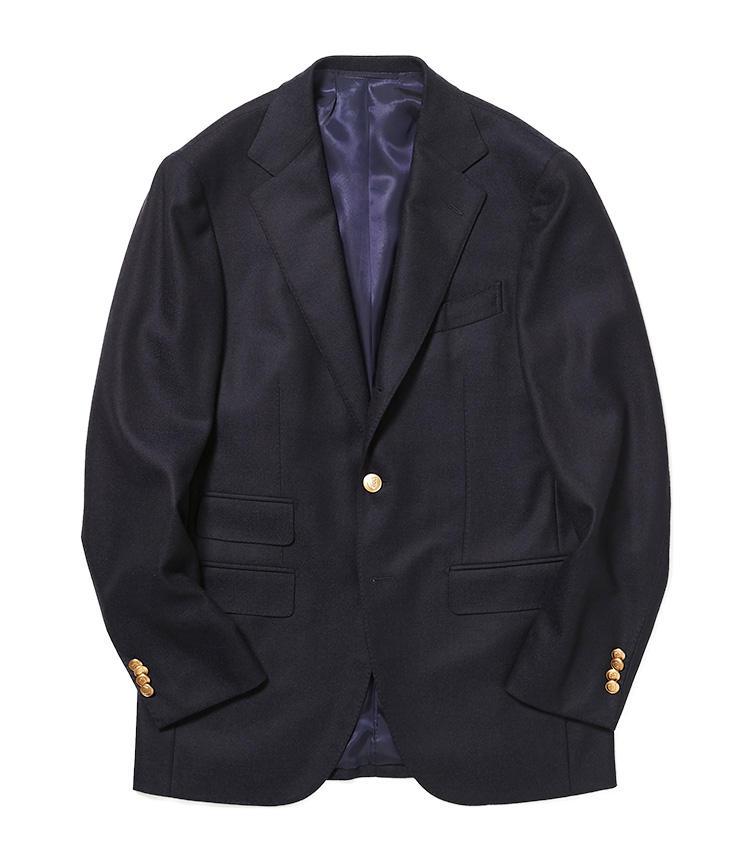 <b>3.ビームスFのネイビーブレザー</b><br />イタリアのロロ・ピアーナ社の上質なカシミヤウールで仕立てた、合わせる服を選ばない万能ブレザー。ネクタイを結ぶもよし、ニットを着込むもよし。様々なスタイルに活躍。9万5000円(ビームス 六本木ヒルズ)