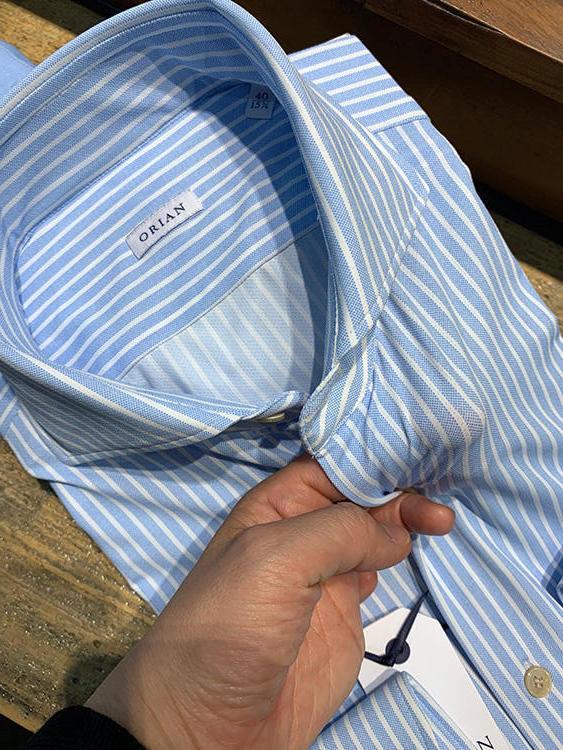 <strong>ORIAN</strong><br />ドレスシャツの老舗、オリアンにも転写プリントのストレッチ素材が。