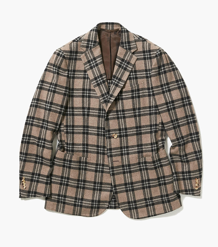<b>3.スティレ ラティーノのチェックジャケット</b><br />250年以上の歴史がある英国のテキスタイルブランド、ジョシュア・エリスの上質なカシミアで仕立てたチェックジャケット。シャツに羽織って仕事にはもちろん、タートルネックやデニムに合わせて、カジュアルに着こなしても決まる勝負ジャケットだ。33万円(エストネーション)