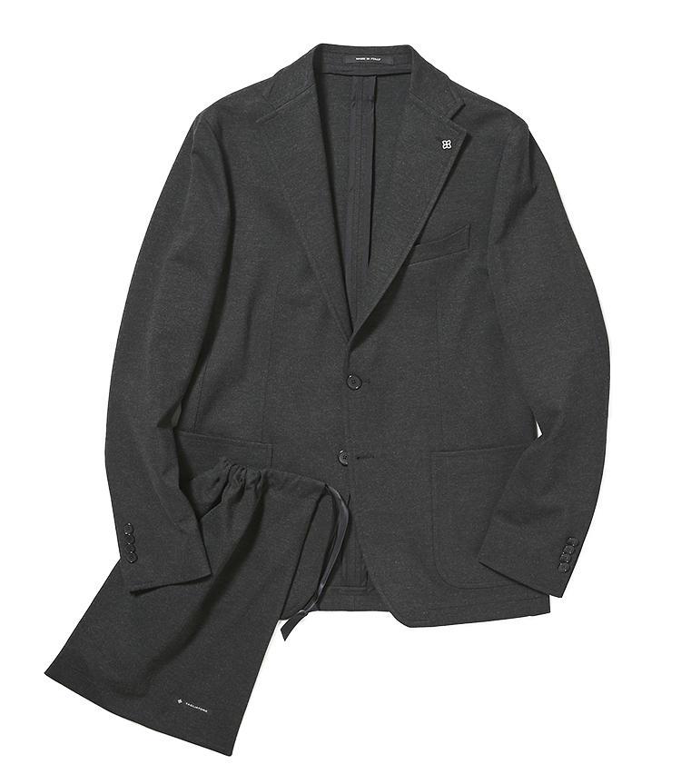 <b>5.タリアトーレのパッカブルジャケット</b/><br />シワになりにくいストレッチジャケットは、出張や旅行に活躍。共生地で別注した6のイージーパンツと、セットアップとしても着用できる。畳んでしまえるポーチ付き。8万1000円(バーニーズ ニューヨーク カスタマーセンター)