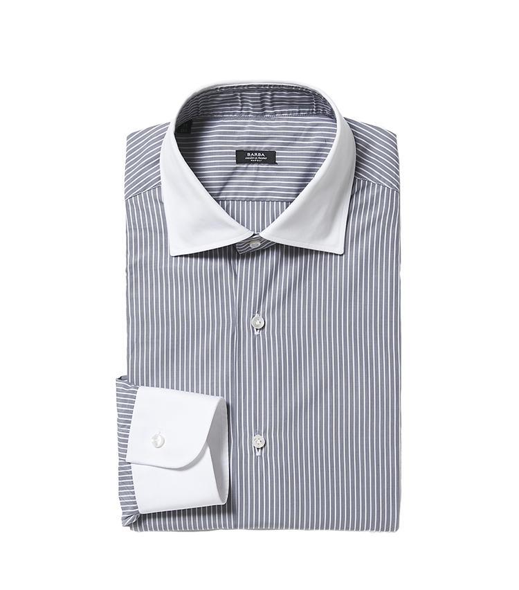 <b>9.バルバのクレリックストライプシャツ</b/><br />グレーのスーツやジャケットによく似合う、白襟のグレーストライプシャツ。美しい襟型はイタリアのシャツ専業メーカーならでは。2万9000円(バーニーズ ニューヨーク カスタマーセンター)