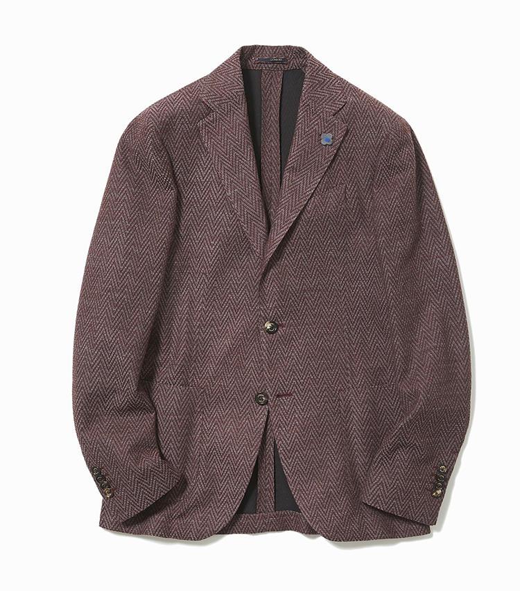 <b>3.ラルディーニの秋色ジャケット</b><br />大きなヘリンボーン柄と深みのあるバーガンディカラーに、季節感が漂うジャケット。ニットのようにラクチンだが、ウエストに忍ばせたダーツのおかげで見た目はすっきり。12万4000円(ストラスブルゴ)