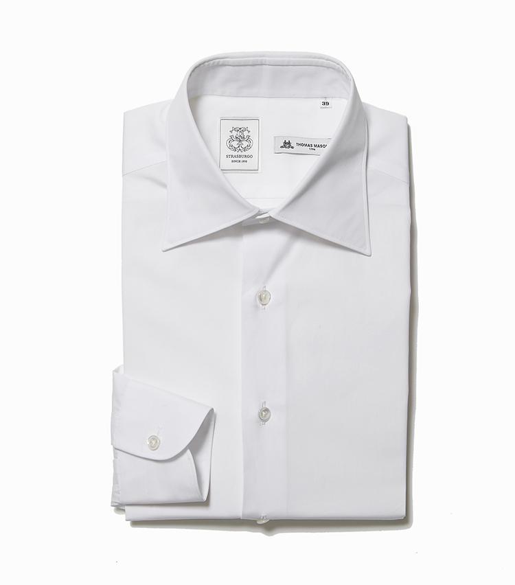 <b>4.ストラスブルゴの白シャツ</b><br />同店専属のシャツ職人、山神正則が手掛ける白無地シャツは、究極のスタンダード。英国老舗のシャツ生地メーカー、トーマス・メイソンの生地も周囲と差をつける。2万2000円(ストラスブルゴ)