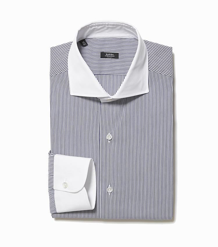 <b>6.バルバのクレリックシャツ</b><br />どんなネクタイも似合うクレリックシャツ。真っ白な襟に加え、ブルーのストライプも爽やかな印象に導いてくれる。3万1000円(ストラスブルゴ)