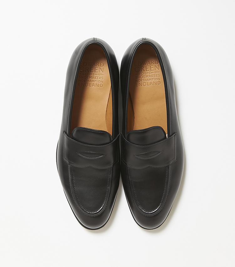 <b>21.エドワード グリーンの靴「ピカデリー」</b><br />シンプルだからこそ、木型の美しさや革質が問われるコインローファー。エドワード グリーンは、インサイド・ストレート&アウトサイド・カーブの流麗なフォルムが芸術的だ。15万9000円(ストラスブルゴ)