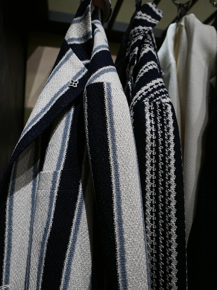 織り柄も清涼感あり。
