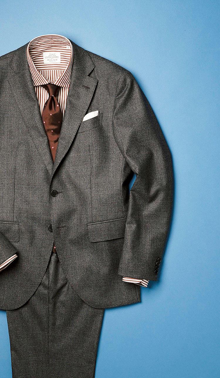 <b>撥水とは思えない端整なドレス顔</b><br><br>■エルビーエム 1911のチェックスーツ<br>ヴィターレ・バルベリス・カノニコ社のウール100%の生地を、ルビアム社が撥水加工。天然素材の風合いを損なうことなく、雨の日スーツを実現した。いかにもな化繊混は受け入れ難いという、こだわり派も納得。11万円(トヨダトレーディング プレスルーム)<br><br><small>シャツ1万3000円、タイ1万2000円/以上ユナイテッドアローズ(ユナイテッドアローズ原宿本店) チーフ4000円/フェアファクス(フェアファクスコレクティブ)</small>