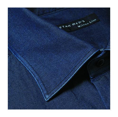 <b>スタイルの特徴</b><br>製品洗いでアタリを出したシャツを作れるのがこのスタイルの特徴。製品洗い2万5000円〜、通常仕立て2万円〜。