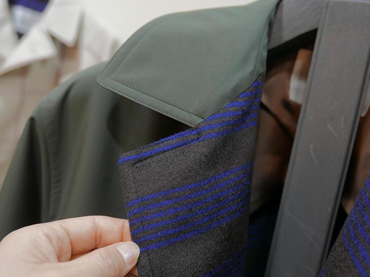 こちらは超度詰め化繊素材の裏に、ストライプ柄のシミヤのライニングが映える。
