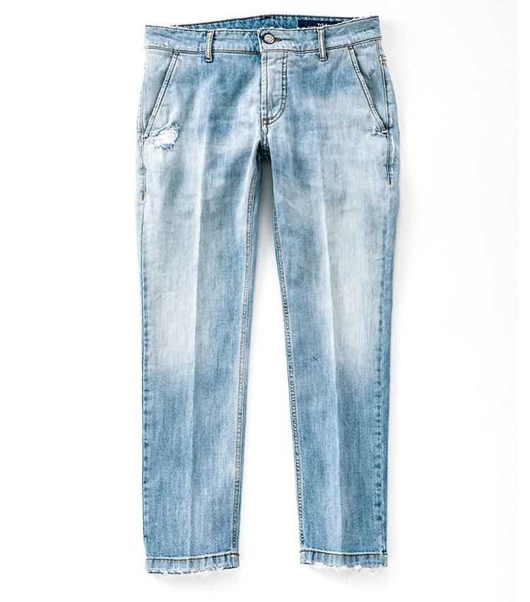 <b>■ENTRE AMIS/アントレ アミ<br>白デニム感覚で穿いてみよう</b><br>8252型 GAGAモデル。縦ポケット+パッチポケットの九分丈でスリムテーパード。クリース入りなのでジャケパンのボトムスにも。2万9000円(インターブリッジ)