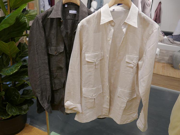 【ERRICO FORMICOLA】1枚で着てもいいが、中にTシャツをINして前を開けて着るのもお洒落。
