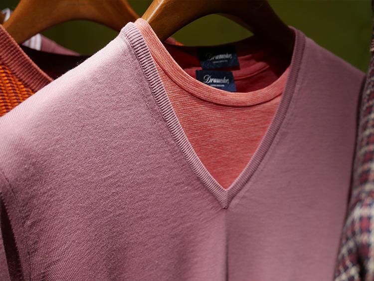 ドルモア。ピンク×ピンクのトーン違いレイヤード。