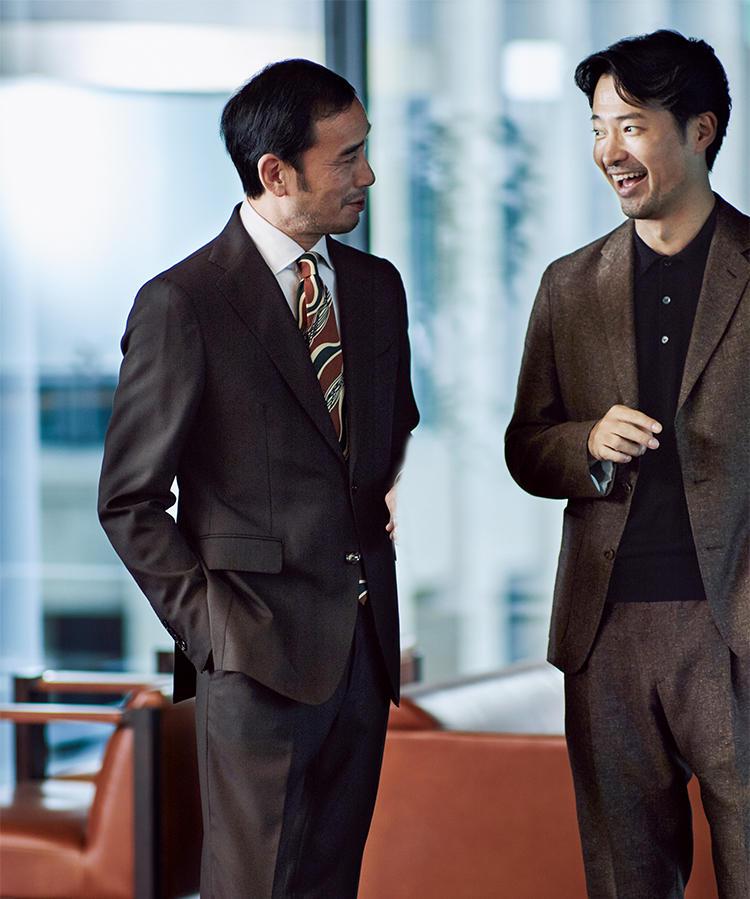 ブラウンスーツを着た上司と部下