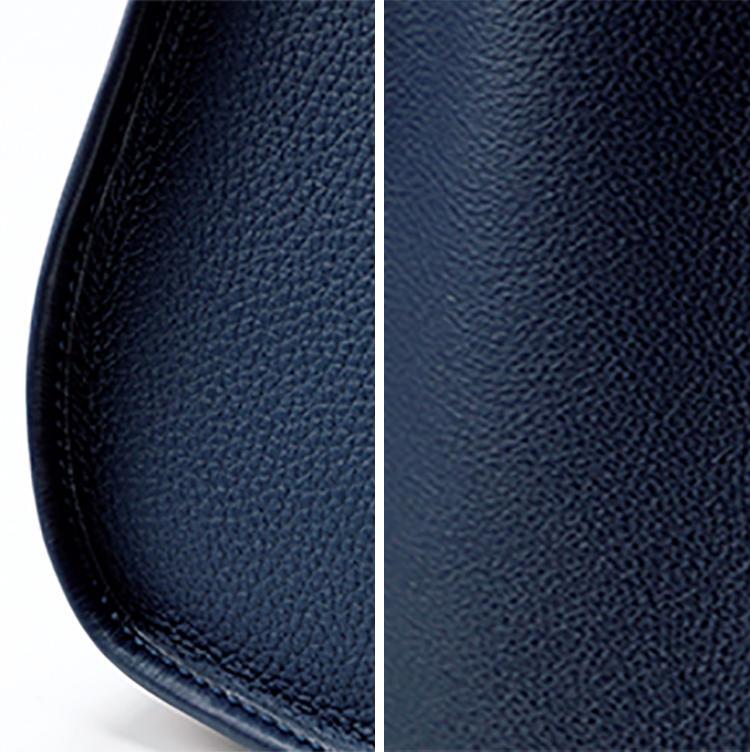 <b>持つたび、触れるたびにハッとするこの革の贅沢な質感</b><br />定番のヴォーリスレザーは絹のように滑らかなカーフ。底部からサイドにかけてきれいなアールを描く。