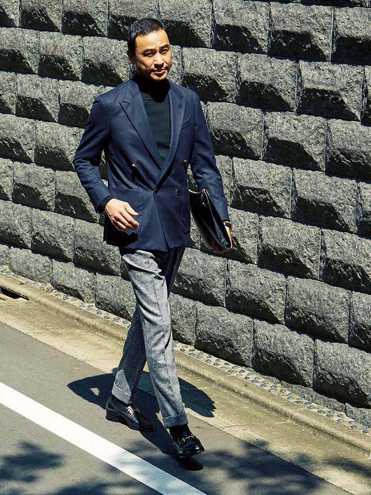 ジャケット×ツイードパンツコーデを着たモデル