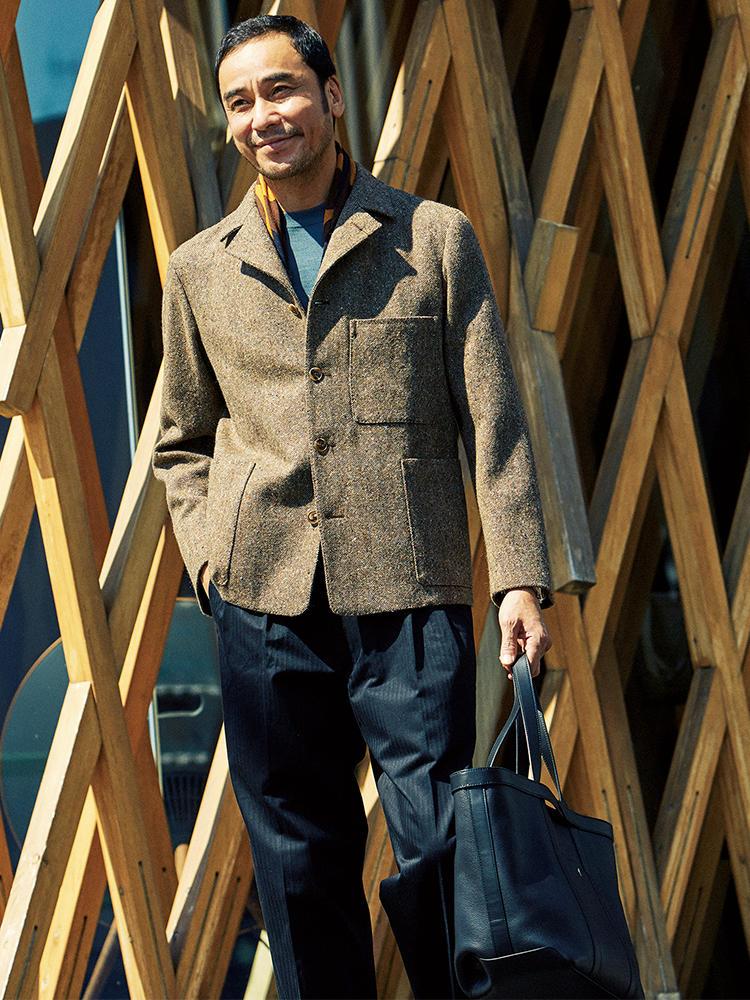 ツイードジャケット×パンツコーデを着たモデル