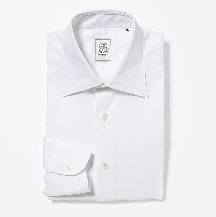 <b>6.ストラスブルゴの白無地シャツ</b><br />ストラスブルゴ専属のシャツ職人、山神正則氏が監修した高級200番手双糸のマイクロツイルシャツ。とろけるようなシルクタッチを納得価格で味わえる。1万9000円(ストラスブルゴ)