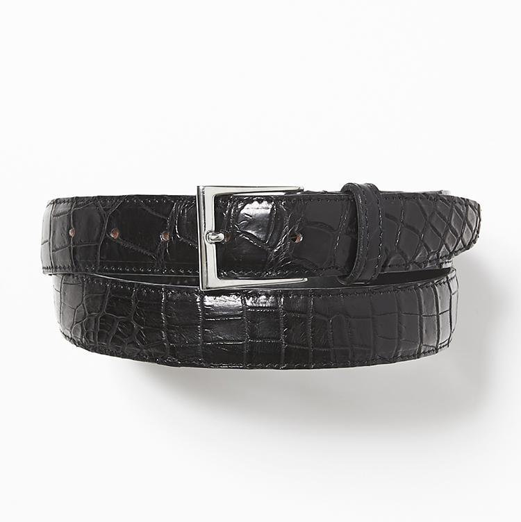 <b>19.山本製鞄の黒のクロコダイルベルト</b><br />模様の揃い方、縫製やコバ処理の美しさは日本製ならでは。耐久性に優れ、使い込むほど光沢が増すところも本クロコの魅力だ。4万5000円(ストラスブルゴ)