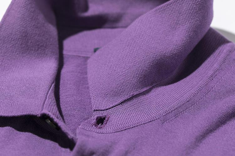 台襟も、背中から前のほうにかけて襟の高さを下げるなど、着たときの美しさが計算されている。